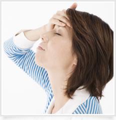 首、肩が凝って頭痛がする